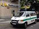 Policie u přepadené pobočky Raiffeisen Bank v Nitranské ulici v Praze