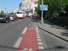 V Záběhlické končí pruh pro cyklisty přímo uprostřed rušné silnice.