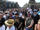 Rigbymu vzdaly hold tisíce lidí (12. července)