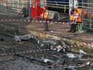 Vykolejen� vlak zdevastoval n�stupi�t� n�dra�� ve m�st� Bretigny-sur-Orge