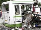 Nejm�n� 14 lid� v sobotu zahynulo p�i sr�ce kamionu s autobusem vezouc�m d�ti...
