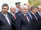Premiér Jiří Rusnok(uprostřed) se svými ministry při pietním aktu nové vlády u...