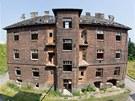 Po nájezdu zlodějů čehokoliv se domy v Přednádraží změnily v ruiny. (10.