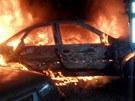 Hasiči v noci vyjížděli v Přerově ke dvěma požárům. Hořelo auto i popelnice u