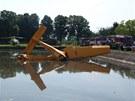 Práškovací letadlo zvané Čmelák se v obci Žlunice na Jičínsku zřítilo do