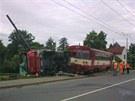 V Opavě se srazil vlak s nákladním autem, vlak vykolejil oběma podvozky (13.