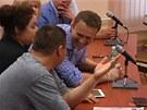 Ruský bloger Alexej Navalnyj u soudu