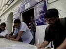 Lidé sepisovali své poslední telegramy i na ulici před telegrafním úřadem v