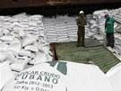 Pod nákladem cukru z Kuby našly panamské úřady zbraně ruské výroby z dob války