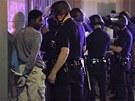 Policie zat�k� demonstranty, kte�� nesouhlas� s osvobozen� Georgea Zimmermana,