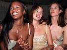 Naomi Campbellov�, Kate Mossov� a Christy Turlingtonov� v 90. letech