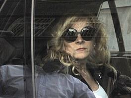 Jana Nagyová opouští vazební věznici v Ostravě (19. července 2013)