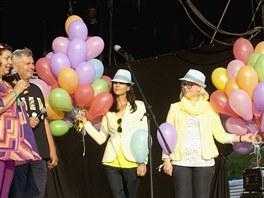Zahájení festivalu Colours of Ostrava 2013 (zleva ředitelka festivalu Zlata...