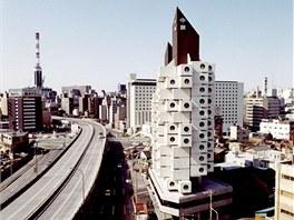 Unik�tn� stavba Nakagin Capsule Tower je jedine�nou uk�zkou architektonick�ho metabolismu.
