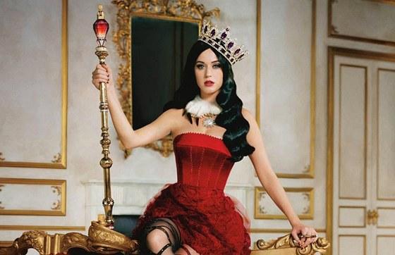 Katy Perry v reklam� na sv�j parf�m Killer Queen.