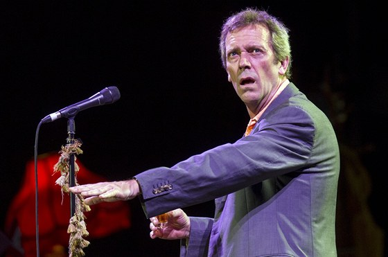 Hugh Laurie (aka Dr. House) s The Copper Bottom Bandem vystoupili v Kongresov�m centru (26. �ervence 2013, Praha)