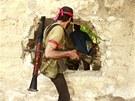 Syrská svobodná armáda ve městě Khan al-Assal (23. července 2013)