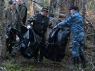Ruští záchranáři na místě nehody antonova, který se loni v červnu zřítil u...