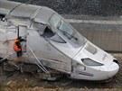 Trosky rychlovlaku, který havaroval nedaleko Santiaga de Compostela (25....