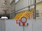 Neprůjezdná Divadelní ulice tři měsíce po výbuchu plynu (23.7.2013)