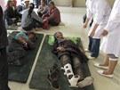 Poskytování pomoci zraněným po zemětřesení v provincii Min-sien (22. července