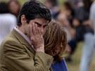 Truchlící příbuzní obětí vlakového neštěstí ve Španělsku (25. července 2013).