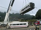 Železničáři odstraňují trosky vlakového neštěstí ve Španělsku (25. července