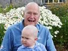 George Bush starší s dvouletým Patrickem trpícím leukémií. Někdejší prezident