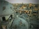 Mešita v centru Homsu, o kterou se o víkendu bojovalo (29. července 2013)