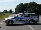 Policie silnici mezi obcí Oseček a Pňov-Předhradí po nehodě zcela uzavřela.