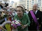Královna Paola a Albert II.  Lidé se loučí s odstupujícím králem, který se...