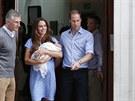 Princ William a Kate a jejich syn (23. července 2013)