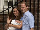 Princ William, jeho manželka Kate a prvorozený syn (23. července 2013)