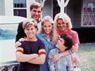 Seriál Báječná léta (1988-1993): Jason Hervey, Dan Lauria, Olivia d'Abo, Alley...