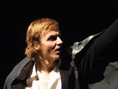V Národním divadle moravskoslezském si Jan Hájek zahrál Hamleta.
