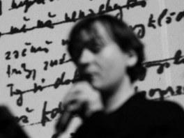 Básník Jaromír Typlt sice pochází z Nové Paky, k Ostravě má ale velmi blízký