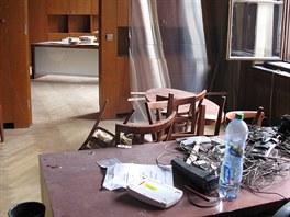 Některé kanceláře v budově Akademie věd nejsou ani tři měsíce po výbuchu v...