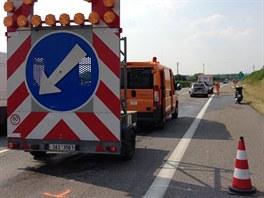 Nehoda na 9. kilometru u exitu Úžice zkompikovala provoz na dálnici D8 směr