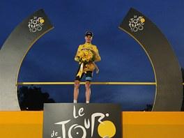 KR�L. Britsk� cyklista Chris Froome vyhr�l st� ro�n�k Tour de France.