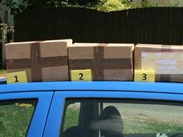 Balíky s nezdaněným tabákem, který zadrželi celníci přímo na poště.