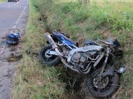 Nehoda motorky u Bartošovic v Orlických horách. (22. 7. 2013)