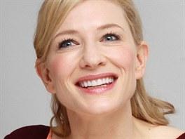 Cate Blanchettová na tiskové konferenci k filmu Jasmíniny slzy (25. července...