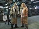 Ochranný oblek je nutností. Pocit horka však ještě značně zvyšuje.