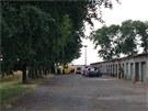 Policie se ve Stochově snaží přesvědčit sebevraha, aby slezl ze stožáru