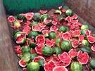 Havarovaný kamion převážel melouny.