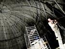 V brněnské hvězdárně instalují britští technici unikátní projekční plochu o...