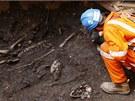 Archeologové nacházejí kostry na hřbitově ze 17. století, který se ukrýval pod