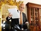 Čerstvý ředitel Národního divadla Jan Burian si ve své kanceláři nestihl ani...