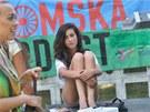 Účastnice happeningu Strany rovných příležitostí ve Vítkově (3. srpna 2013)