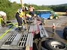 �idi� p�evr�til v zat��ce u obce Plave� na Znojemsku kamion s n�v�sem pln�m...